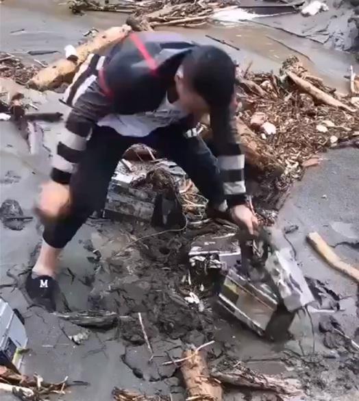 майнеры в грязи