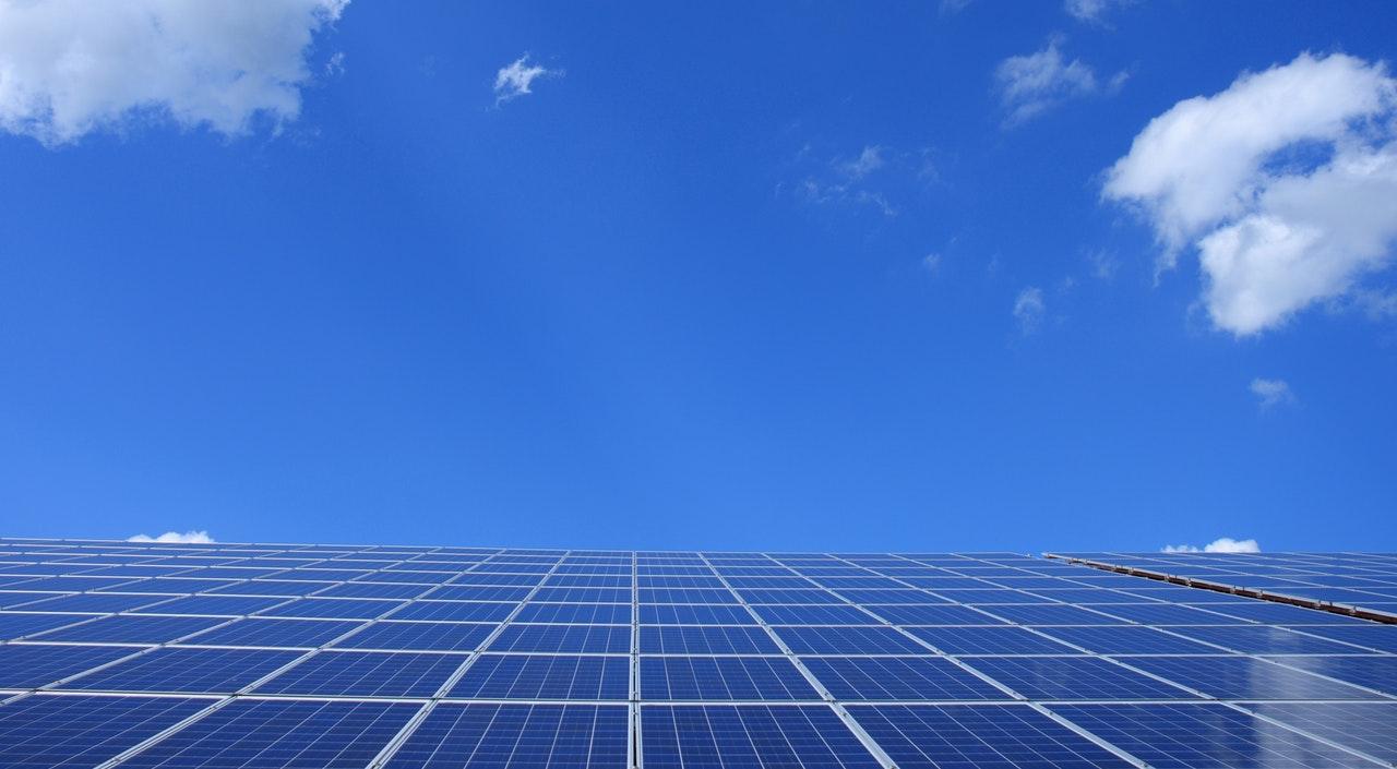 Японские ученые создали солнечные батареи для одежды